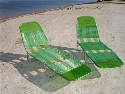 Tri Fold Lawn Chair |  Beach lounge stol, Gräsmatta stolar, Beach lounge