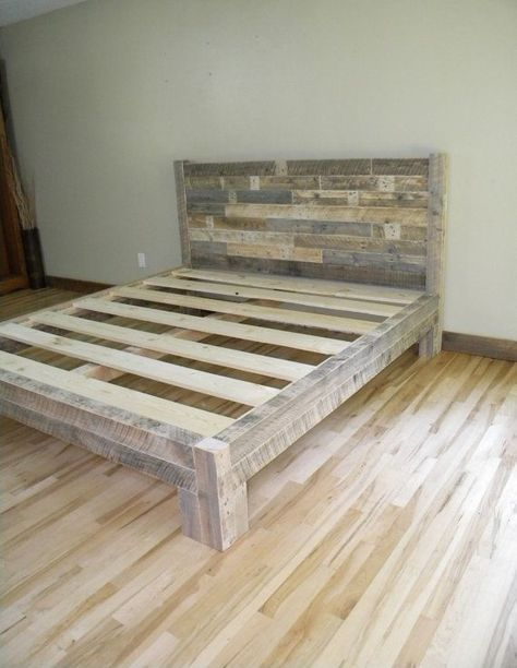 King Bed King sänggavel plattform säng Återvunna av JNMRusticDesigns.