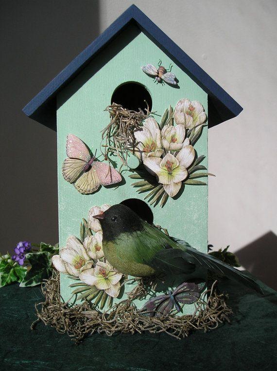 Handmålat inomhus dekorativt fågelhus med av purpleinkgraphics.