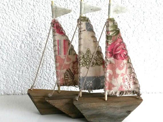 TRE Drivsegelbåtar, träbåt, återanpassad dekor av träbåt.