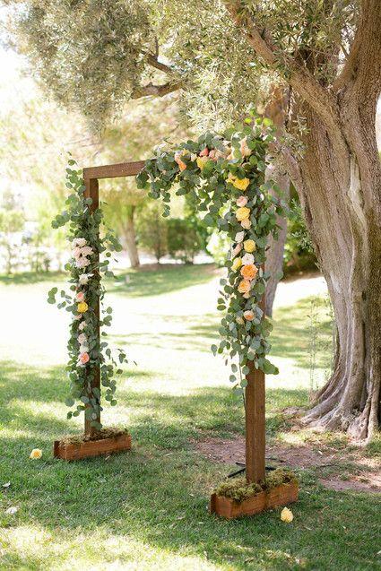 Rustikt bröllopsaltare |  Bröllops- och festidéer |  DIY bröllop båge.