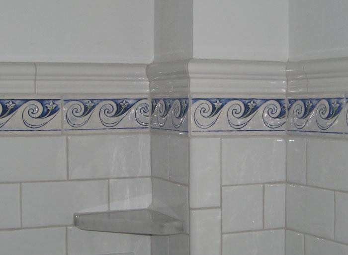 Dekorativa handgjorda keramiska plattor: Dekorativa handgjorda keramiska vågor.