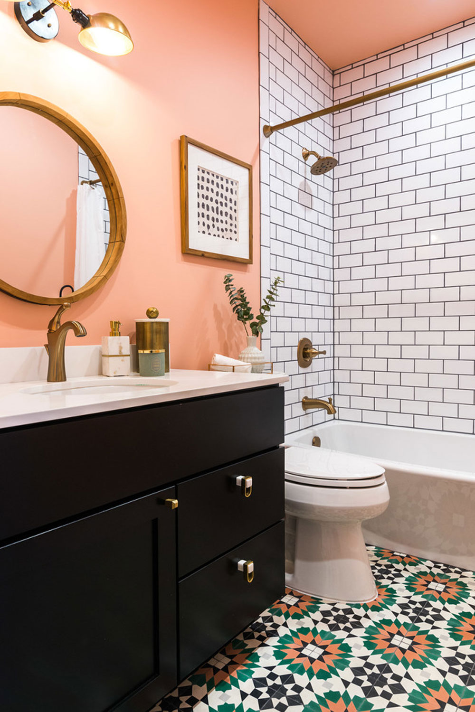Capitol-Hill-badrum-av-Lisa-Leroy Använd persikafärgen för att dekorera fantastiska interiörer