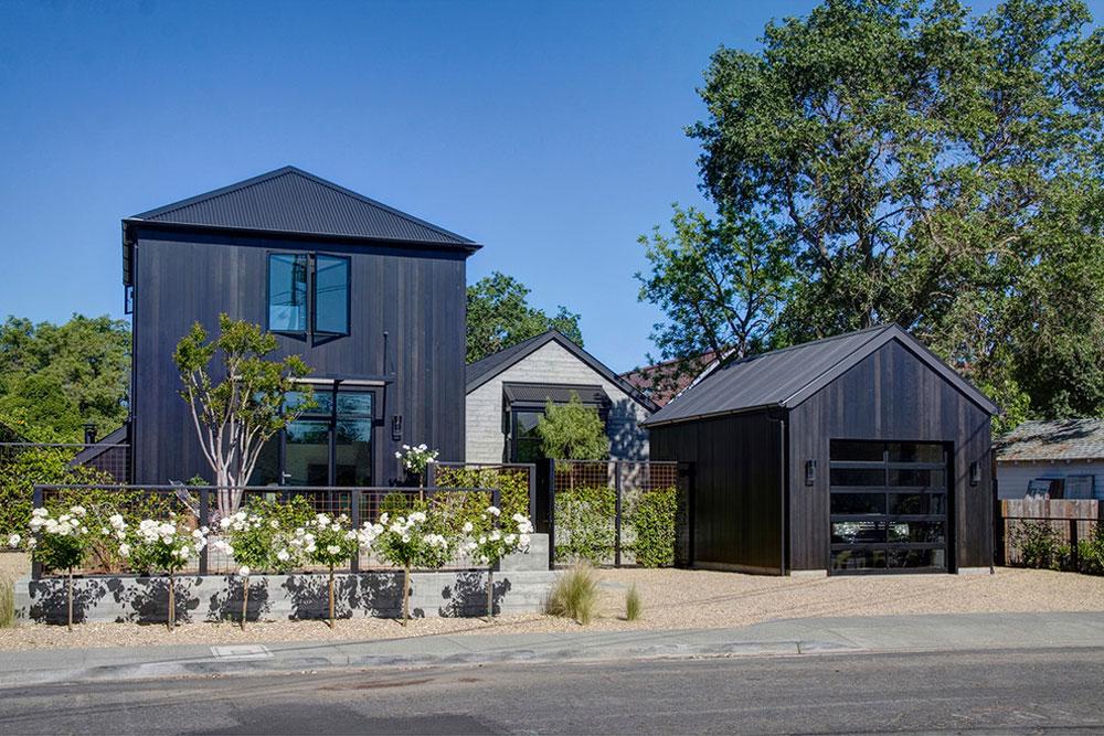 Farmhouse Exterior Vad ska jag göra om du flyttar in i ett nytt hus?