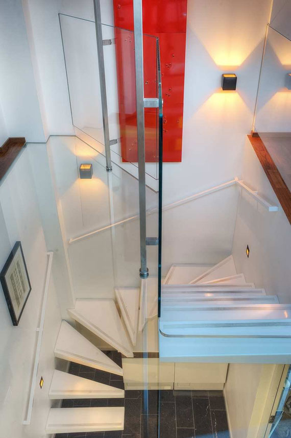 s7 Trevlig Stockholm-lägenhet på översta våningen i en gammal byggnad