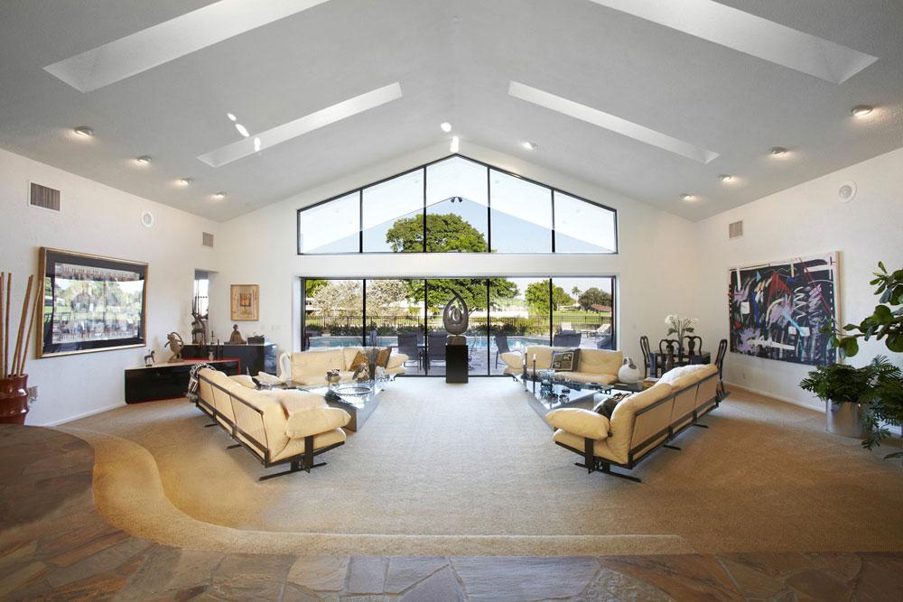 Vardagsrum med takfönster som ger naturligt ljus 6 vardagsrum med takfönster som ger naturligt ljus