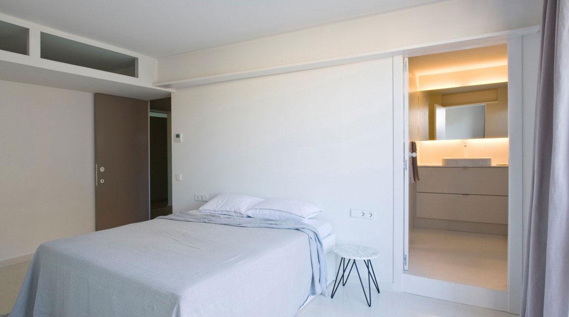 Rymlig takvåning-med-en-fin-balans-mellan-möbler-och-interiör-dekorationer-12 Rymlig takvåning med-en-fin-balans-mellan-möbler-och-interiör-dekorationer