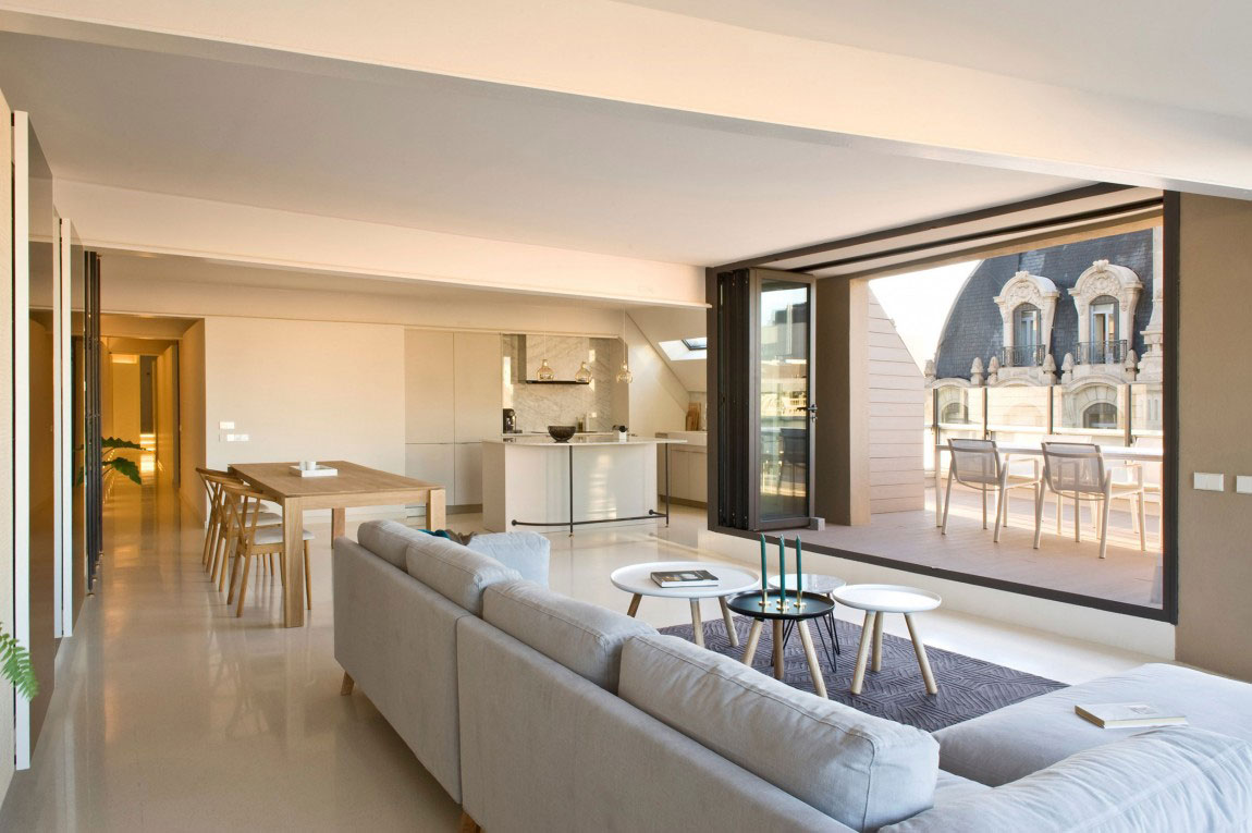 Rymlig takvåning-med-en-fin-balans-mellan-möbler-och-interiör-dekorationer-3 Rymlig takvåning-med-en-fin-balans-mellan-möbler-och-interiör-dekorationer