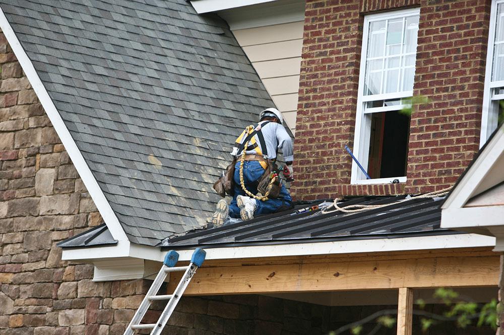 Lösningar för vattenläckage genom taket 3 lösningar för vattenläckage genom taket