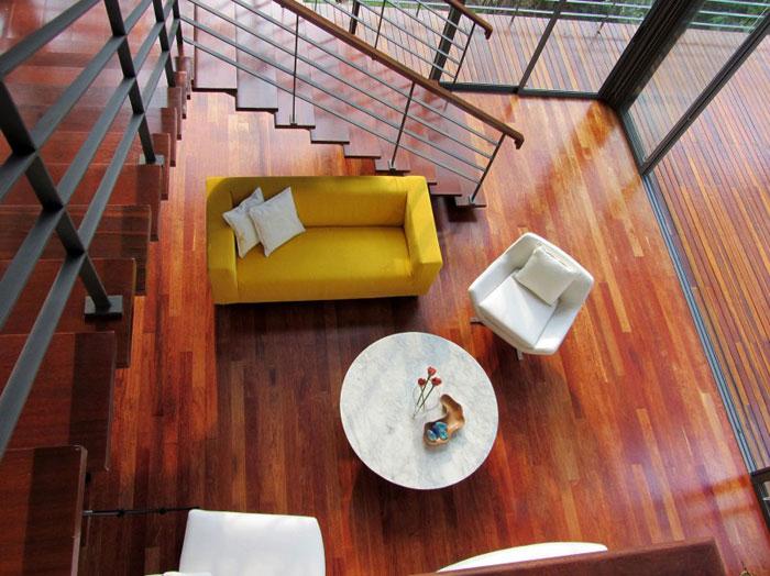 73517663958 Vackert däckhus i skogen designad av Choo Gim Wah Architect