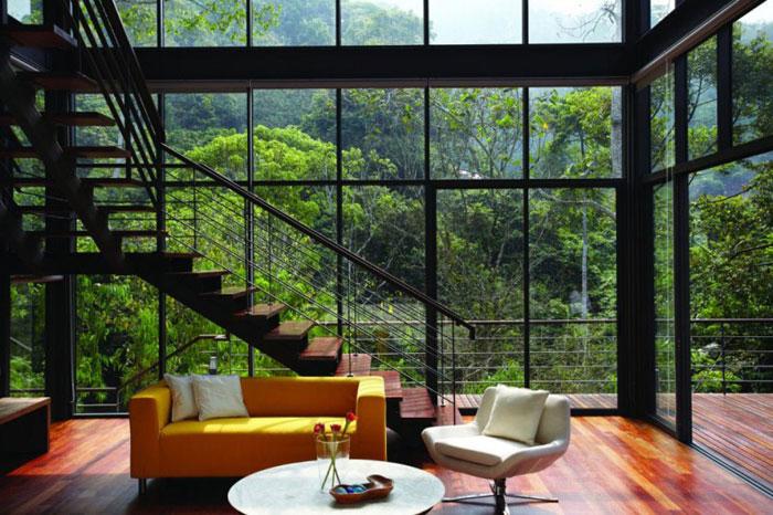 73517597438 Underbart däckhus i skogen Designad av Choo Gim Wah Architect