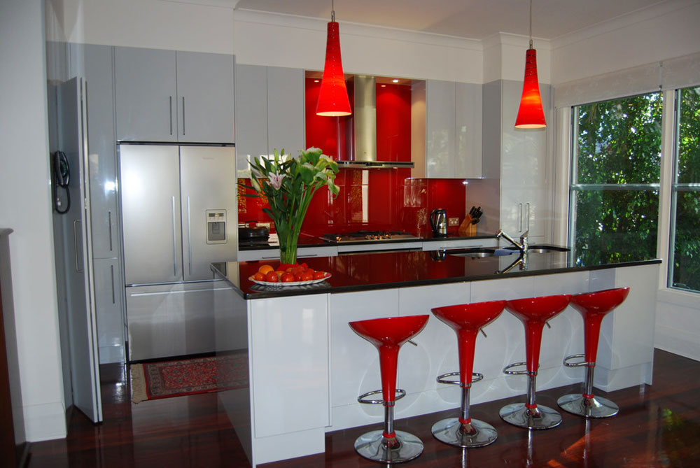 Wahroonga-Sydney-by-The-Renovation-Broker Rött köksdesign: idéer, väggar och inredning