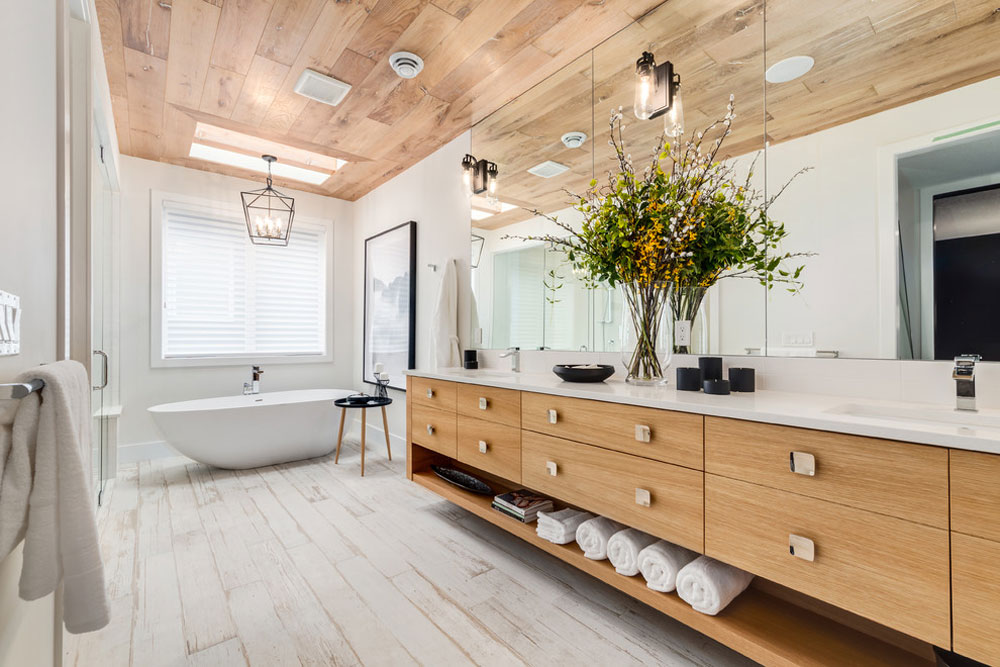 Altadore-showhome-by-Trickle-Creek-designer-hem-by-ICON-sten-kakel bondgård badrum: dekor, idéer, belysning och stil
