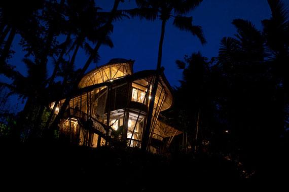 bal25 Miljövänliga hus som en del av en grön by på Bali Designad av Ibuku Studio