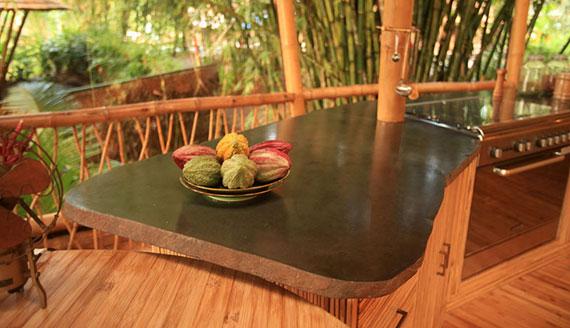 bal8 Miljövänliga hus som en del av en grön by på Bali Designad av Ibuku Studio
