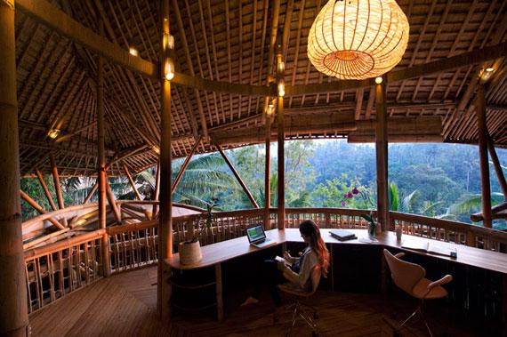 bal14 Miljövänliga hus som en del av en grön by på Bali Designad av Ibuku Studio