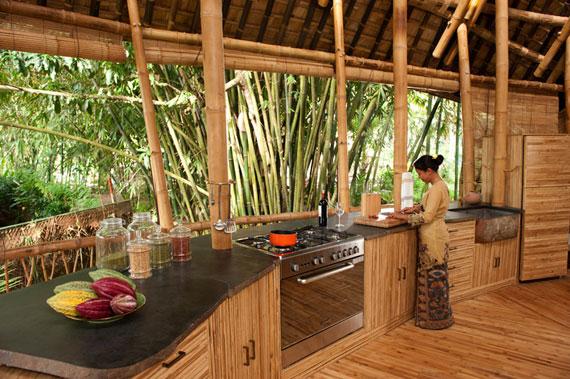 bal7 Miljövänliga hus som en del av en grön by på Bali Designad av Ibuku Studio
