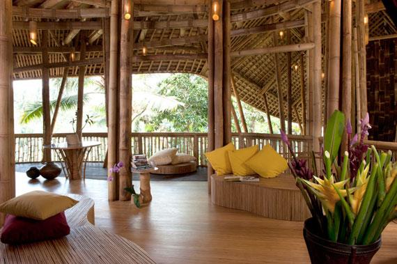 bal6 Miljövänliga hus som en del av en grön by på Bali Designad av Ibuku Studio