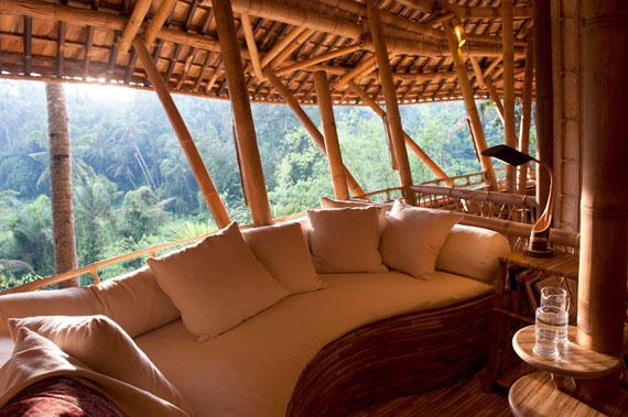 bal5 Miljövänliga hus som en del av en grön by på Bali Designad av Ibuku Studio