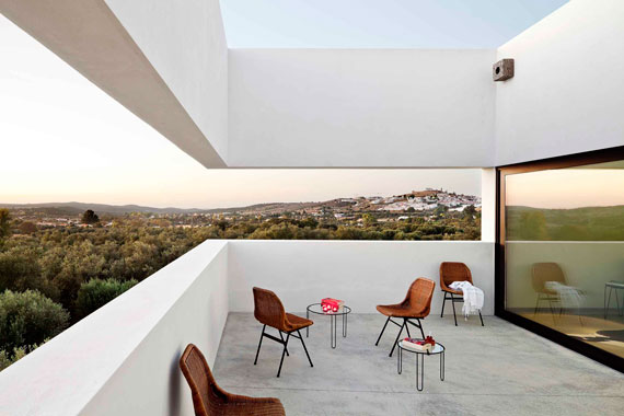 casa2 Alla vita väggar Villa Extramuros i Arraiolos Designad av Vora Arquitectura