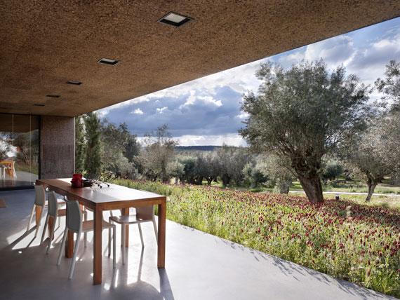 casa9 Alla vita väggar Villa Extramuros i Arraiolos Designad av Vora Arquitectura