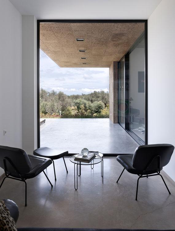 casa11 Alla vita väggar Villa Extramuros i Arraiolos Designad av Vora Arquitectura