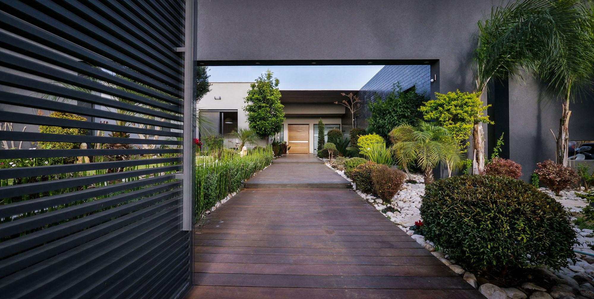 Lyxig-villa-med-en-samtida-design-från-Israel-2 Lyxig villa med modern design från Israel