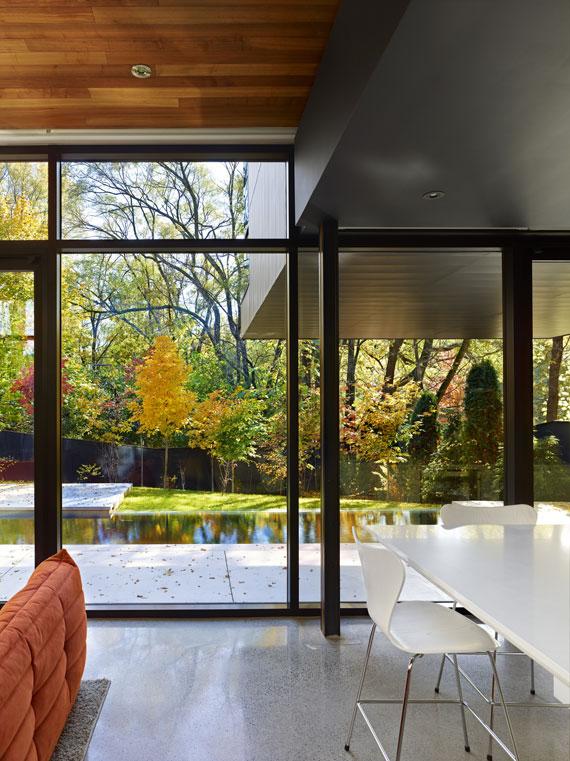 50421623838 Cedarvale House designat av Drew Mandel Architects