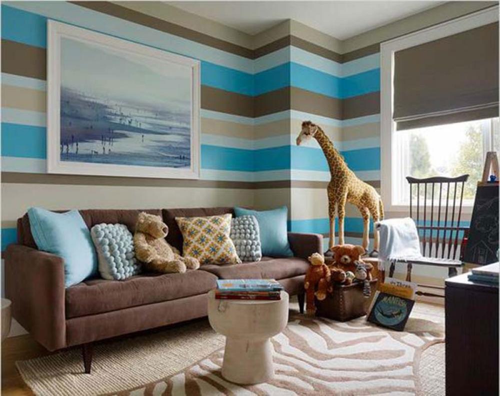 Vackert vardagsrum med randiga väggar-8 Vackert vardagsrum med randiga väggar