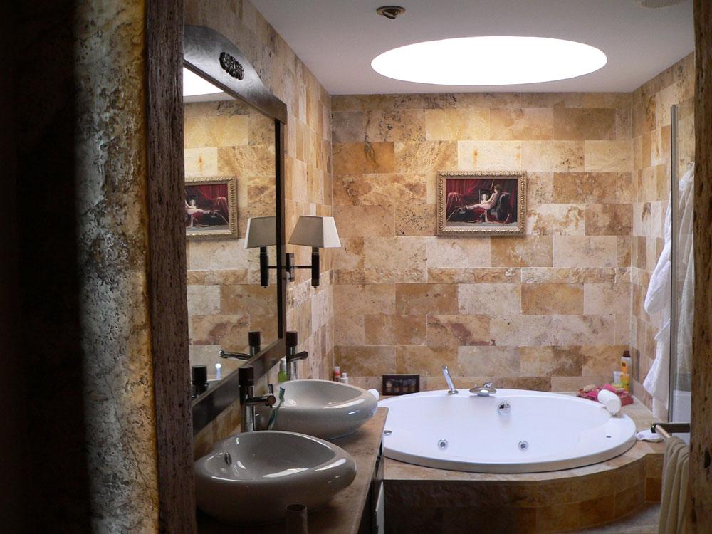 Badrum med takfönster som får dig att tänka igenom dina mönster.  8 badrum med takfönster som får dig att tänka igenom din design