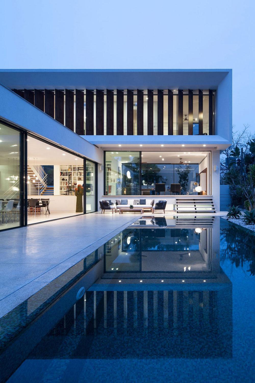 TV-house-a-true-wonder-of-modern-architecture-16 TV-house, a true wonder of modern architecture