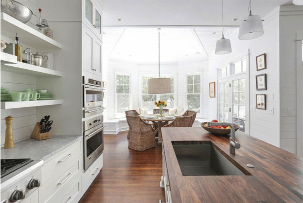 Sullivans-Island-Family-Home-Renovering-by-Diament-Builders-Wood bänkskivor: massiva, rustika, naturliga köksbänkar