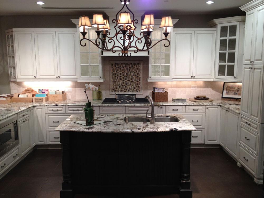 Tips och riktlinjer för dekorering över köksskåp 9 tips och riktlinjer för dekorering över köksskåp