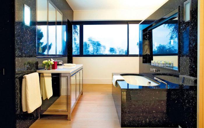 82284481206 Lyxig villa vid havet med fantastisk utsikt