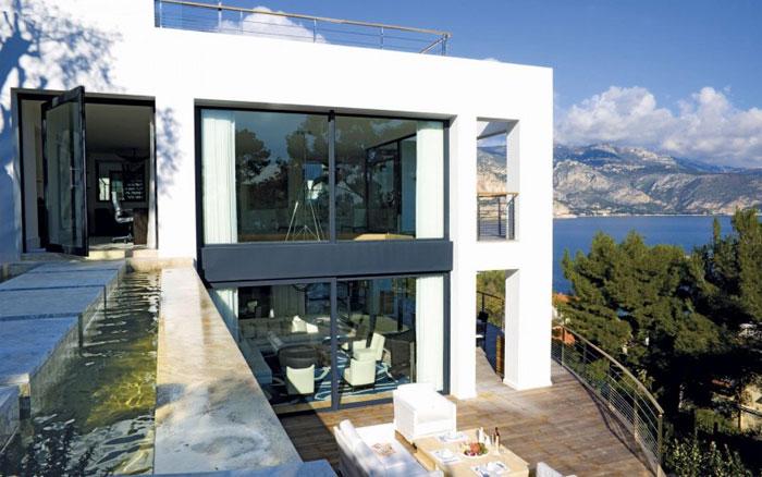 82284403765 Lyxig villa vid havet med fantastisk utsikt