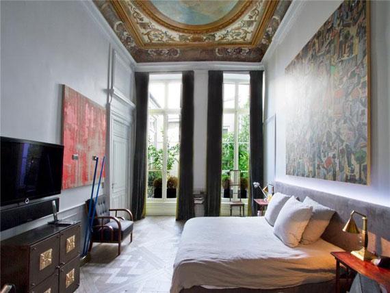 Paris9 Trevlig och rymlig takvåning i Paris med målat tak