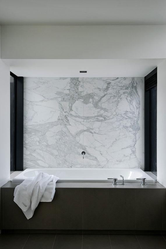 cls19 Modernt svartvitt drömhus: Lucerne House av Daniel Marshall Architects