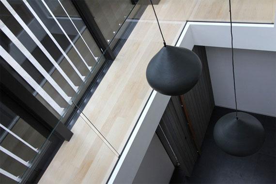 cls18 Modernt svartvitt drömhus: Lucerne House av Daniel Marshall Architects
