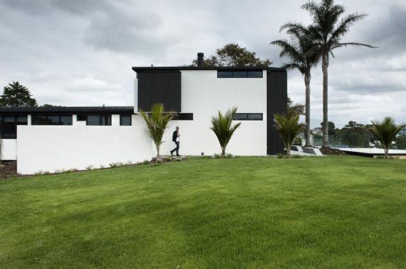 cls3 Modernt svartvitt drömhus: Lucerne House av Daniel Marshall Architects