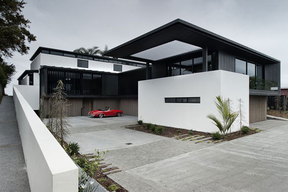 cls2 Modernt svartvitt drömhus: Lucerne House av Daniel Marshall Architects