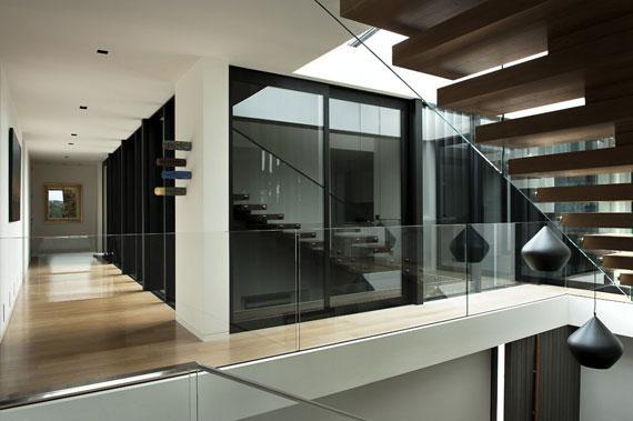 cls16 Modernt svartvitt drömhus: Lucerne House av Daniel Marshall Architects