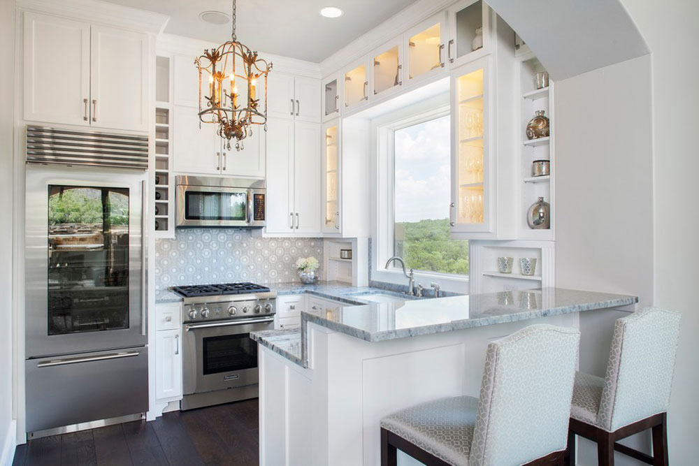 Modern-fransk-Guest-House-by-Bravo-Interior-Design kök stall idéer för ditt lilla kök