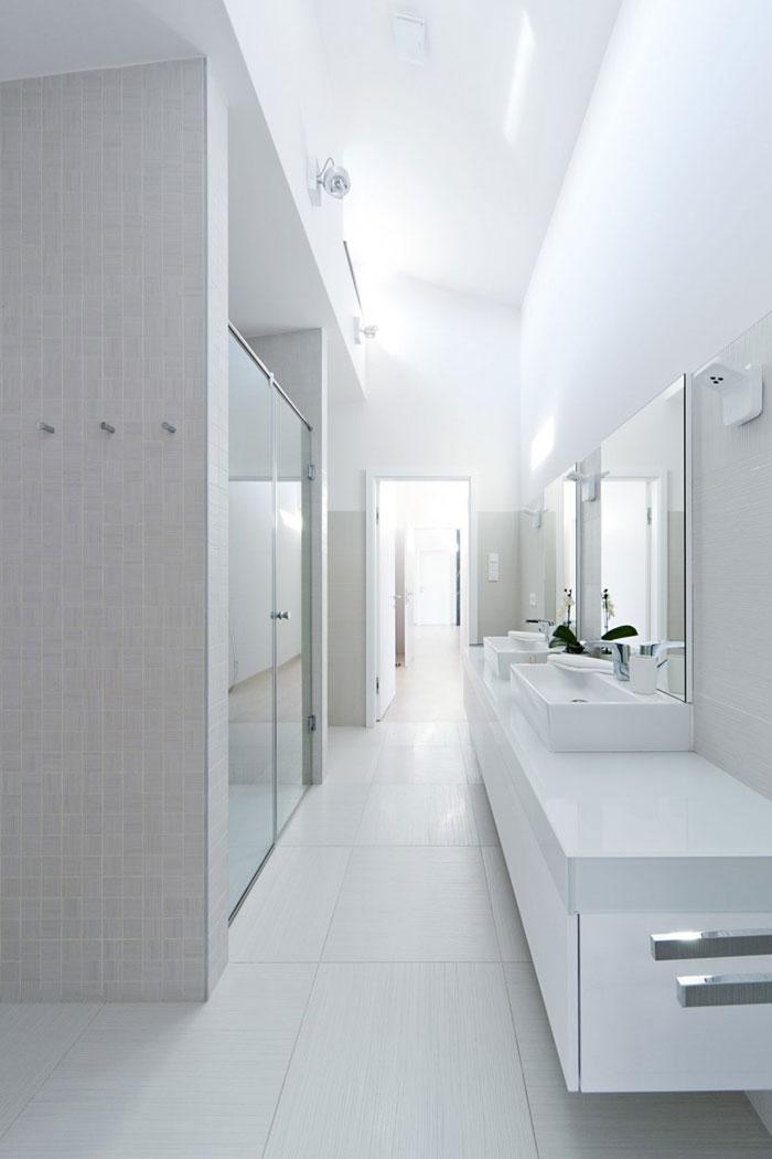 81677624151 Modernt sommelierhus designat av Sandor Duzs och Architema