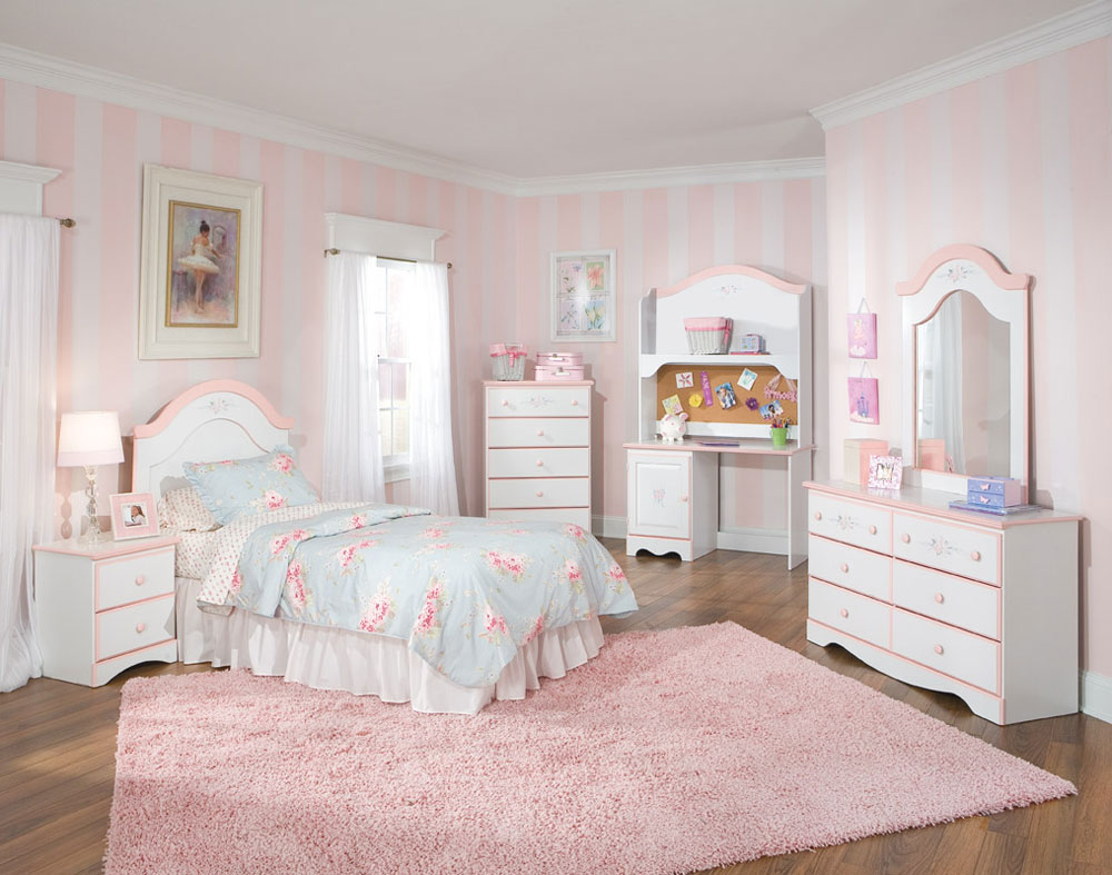 Det inte alls snygga sovrummet med randiga väggar-8 Det alls inte snygga sovrummet med randiga väggar