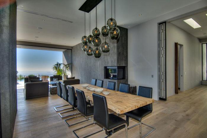 79966281599 Fantastiskt Los Angeles hem med fantastisk utsikt från La Kaza och Meridith Baer Home