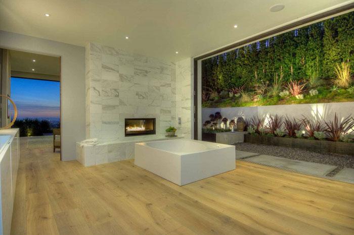 79966348340 Fantastiskt Los Angeles hem med fantastisk utsikt från La Kaza och Meridith Baer Home