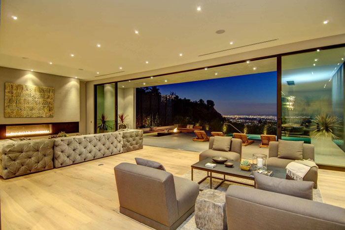 79966416945 Fantastiskt Los Angeles hem med fantastisk utsikt från La Kaza och Meridith Baer Home