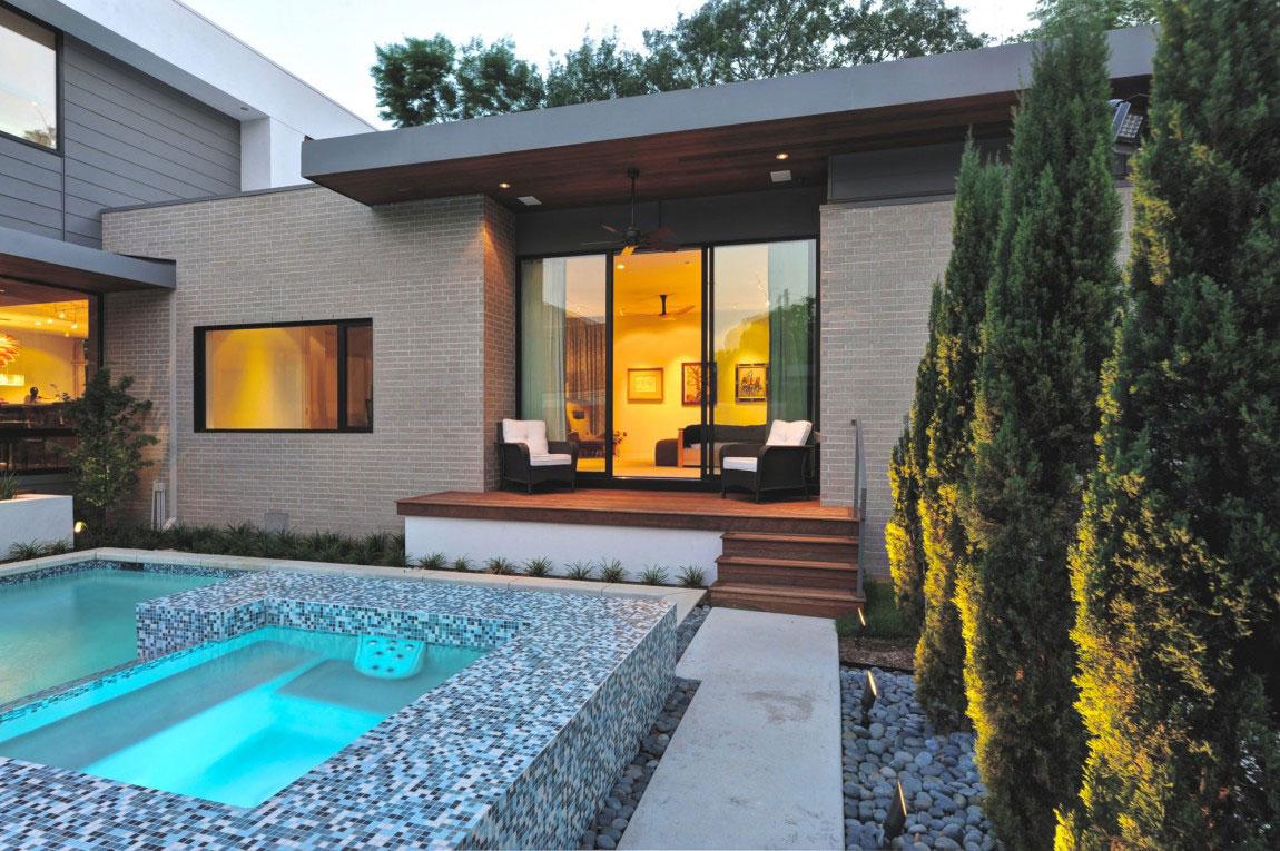 Vackert holly hus, designat av ett arkitektföretag StudioMET-14 Vackert holly hus, designat av ett arkitektfirma StudioMET