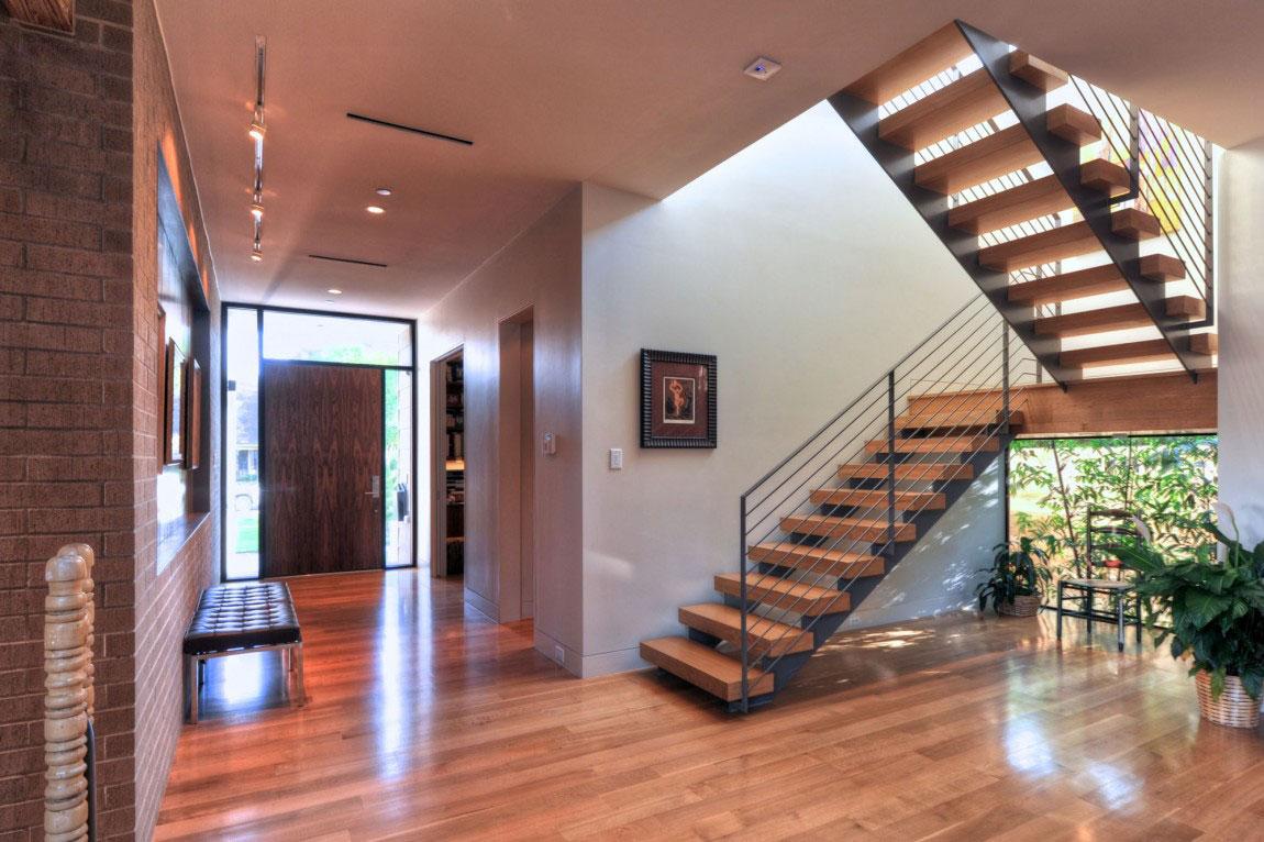 Vackert holly hus, designat av ett arkitektföretag StudioMET-11 Vackert holly hus, designat av ett arkitektfirma StudioMET