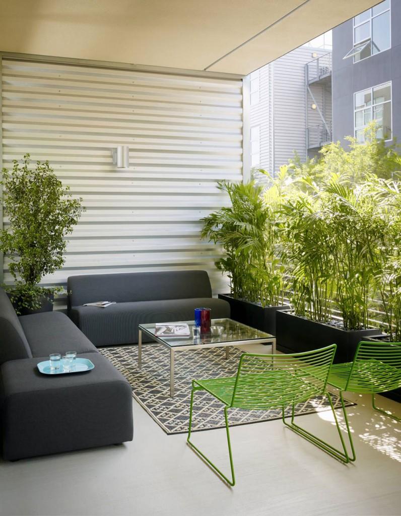 Hur man dekorerar en lägenhet balkong7-796x1024 Hur man dekorerar en lägenhet balkong